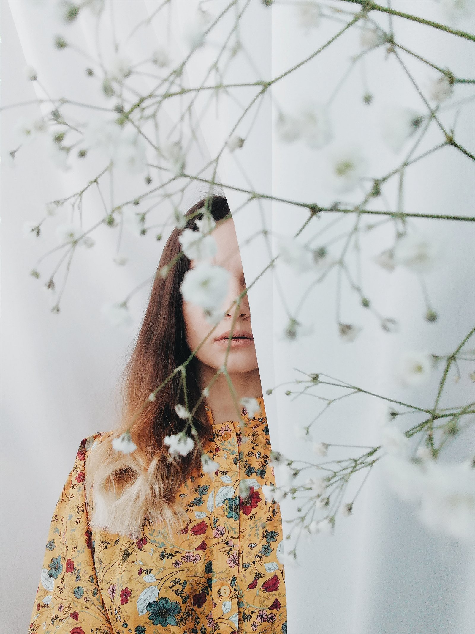 Autoportrait - Tika Jabanashvili - Cherrydeck