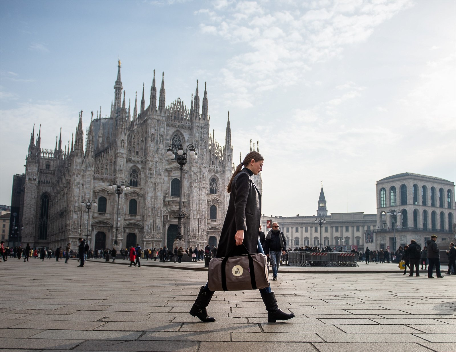 Girl in Milan with jimbag by Cherrydeck photographer Consuelo Canducci
