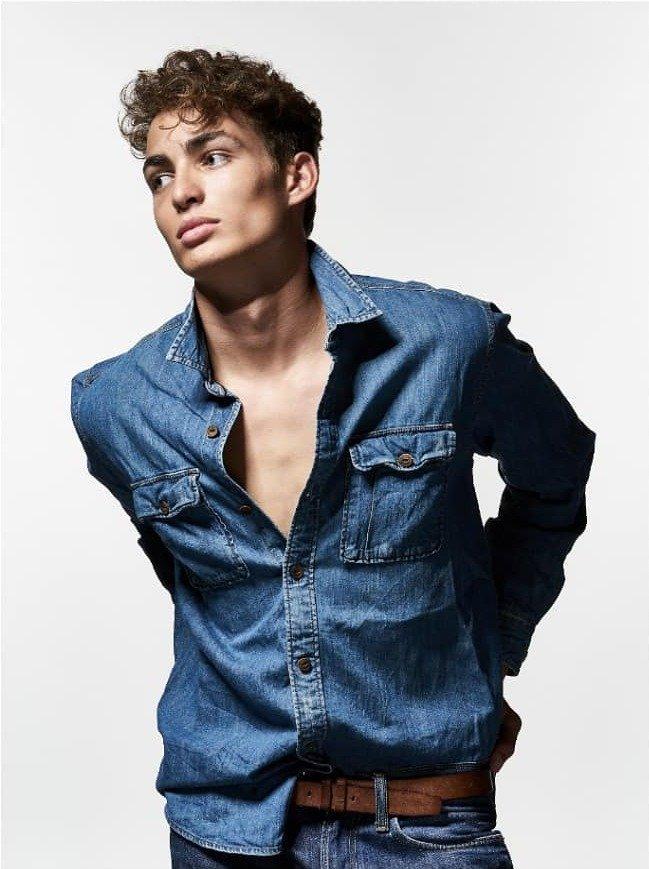 Newcomer Models - Model Darcy Dodds