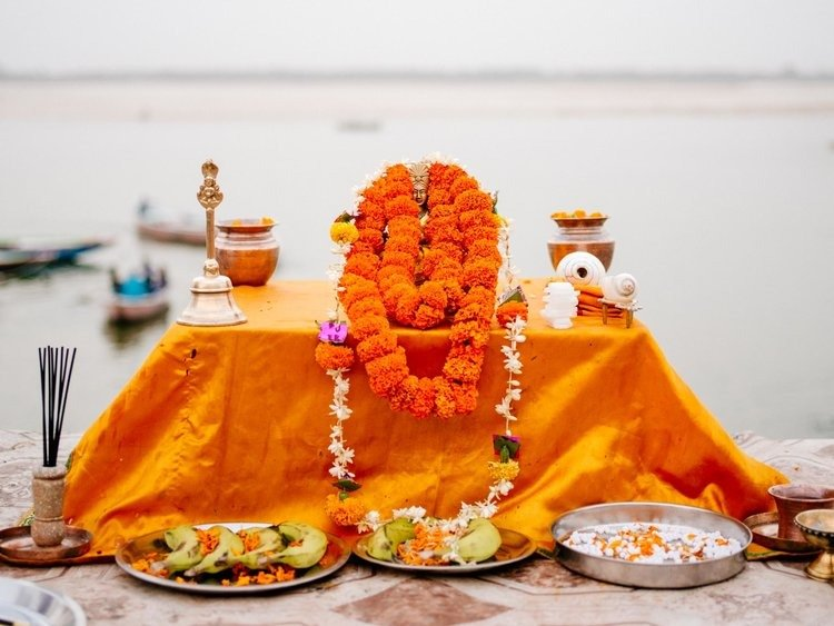 Puja ceremony conducted by the Ghat
